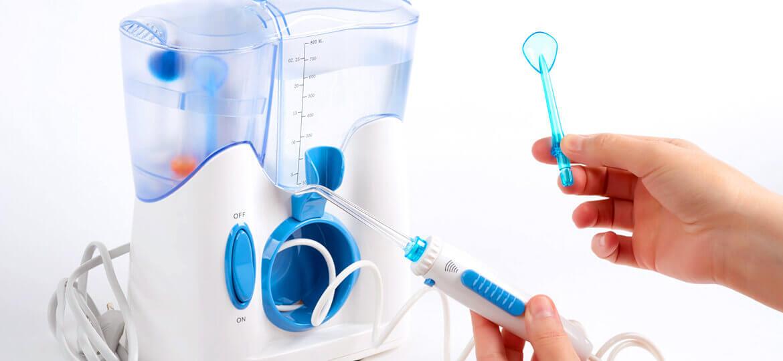 Idropulsore dentale: i benefici e le controindicazioni